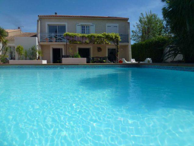 villas-michele-marseillan-agde-chambre-hote-location-ete-mer-vacances-velo-famille-scribote-visuel-2